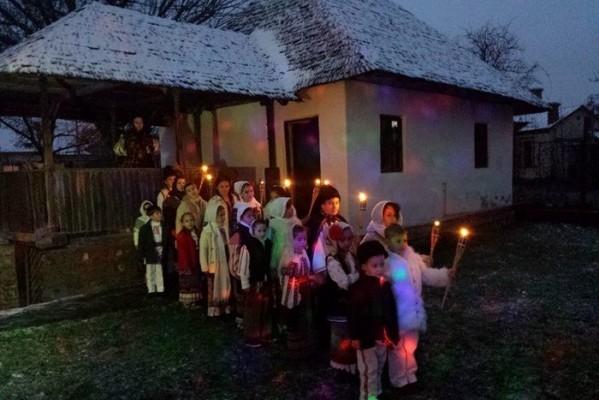 """VIDEOCLIP LANSAT DE ȘTEFANIA RAREȘ ȘI """"CLUBUL VICTORIOȘILOR"""", CHIAR DE ZIUA NAȚIONALĂ"""
