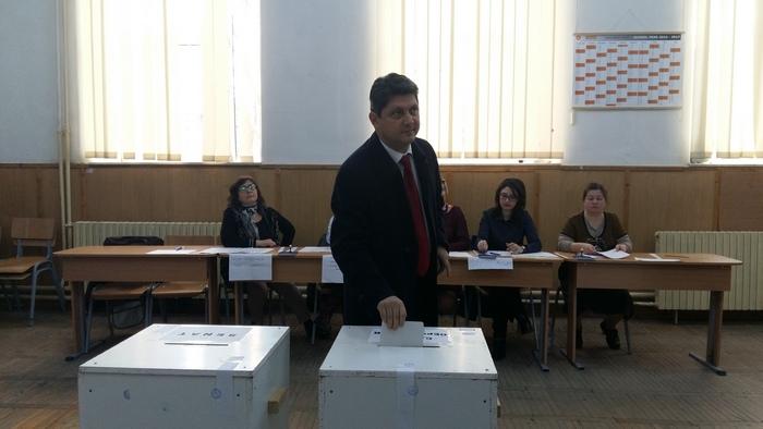 corlatean-voteaza