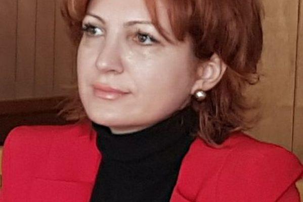 DEPUTAT PSD OANA VLĂDUCĂ DESFIINŢEAZĂ ATACURILE LA ADRESA CCR